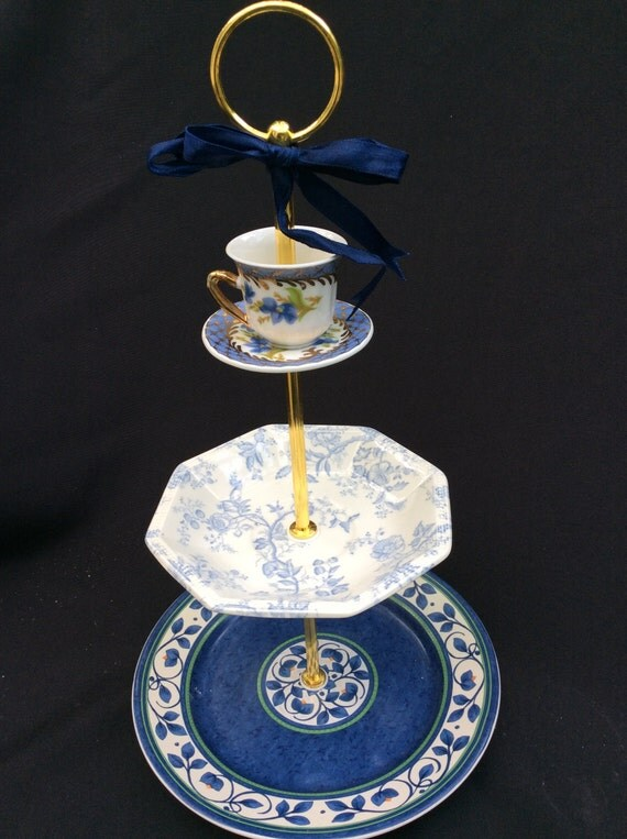 wedding cake stand blue white 3 tier serving tray tiered. Black Bedroom Furniture Sets. Home Design Ideas