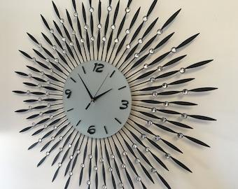 Modern Style Metal Mute Wall Clock