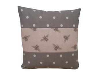 Bees pillow covers, bee print cushion cover, throw pillows, pillowcase, decorative pillow, bee cushion
