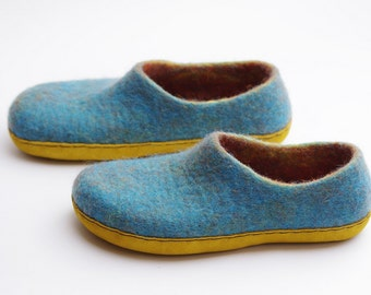 Felted slippers clogs-summer felted shoes-felted wool slippers-woman loafer-turquoise color- yellow suede sole- home shoes