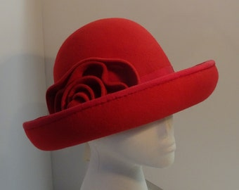 Cloche Hat/Millinery 1930's Red Velours Felt Hand Made