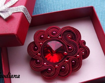 Red  soutache  brooch