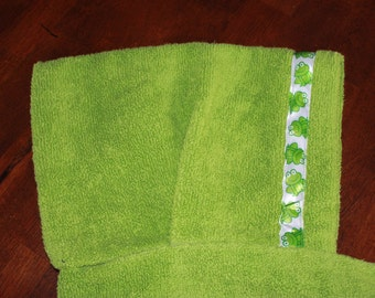 Frog Hooded Towel, Green - For babies, toddlers, preschoolers and beyond!