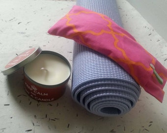 A  blissful double treat! Soothing Lavender Eye Pillow and Vanilla Soy Candle Gift Set.