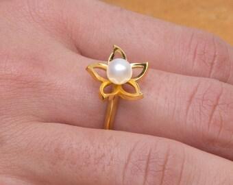 Flower Heart, Flower Ring, Silver Flower, Pearl Flower, Freshwater Pearl,