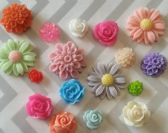 Mixed Lot Cabochon Flowers