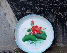 large white blue enameled metal bowl tray PEACOCK CHINA mid century 18''  red rose/ arts retro vintage table / Holy10