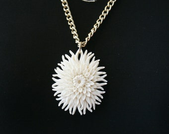 Ivory Carved Look Plastic Dahlia Flower Pendant on Rose Gold Tone Chain - M-780