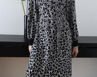 Robe vintage 70's imprimé noir/blanc/orange taille 42 / size uk 14 - us 10
