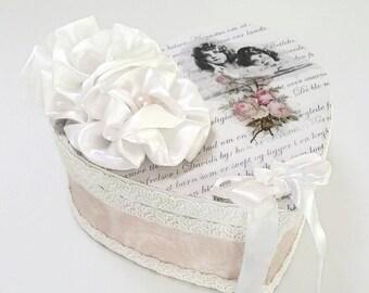 Shabby Chic Box , Romantic Gifts For Her , Shabby Chic Jewelry Box , Cottage Chic Decor , White Jewelry Box , Keepsake Box , Gift Box
