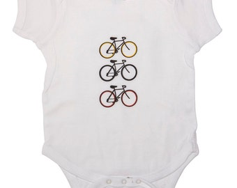 Boys White Creeper, Baby Bodysuit, Bicycle Outfit, Bicycle Bodysuit, Kids Clothing, Baby Clothes, Toddler Outfit, Baby Boy, Baby Shower Gift