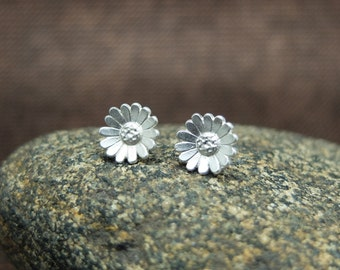 Silver Stud Earrings 'Daisies', Ear Studs, Flower Jewelry, Blossom, Floral