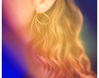 Gold plated earrings. Geometric and light. Minimalist hoops. Handmade.