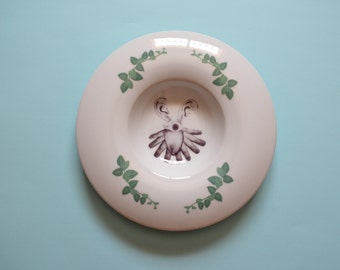Illustrated porcelain plate 3