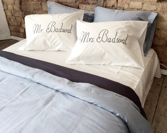 Personalized couple pillowcases Mr & Mrs pillow cover housewarming gift, wedding gift, Personalized Wedding Pillow, Family name pillow, gift