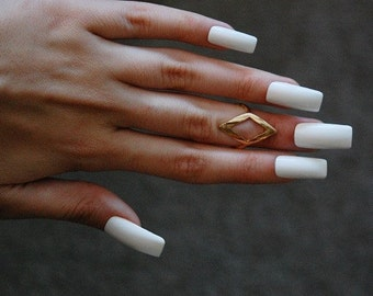Carré blanc long clous (brillant ou mat) , lot de 20 , dope ongles
