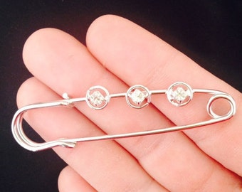 CLOSING SALE 5 Antique Silver Tone Safety Pins, Safety Pin Brooches with Rhinestone, BF 006