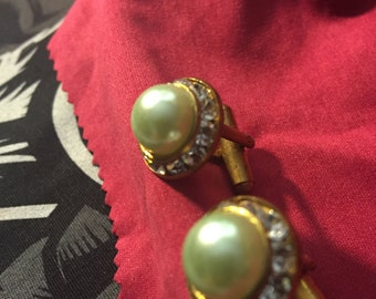 Light green Swarovski crystals cuff