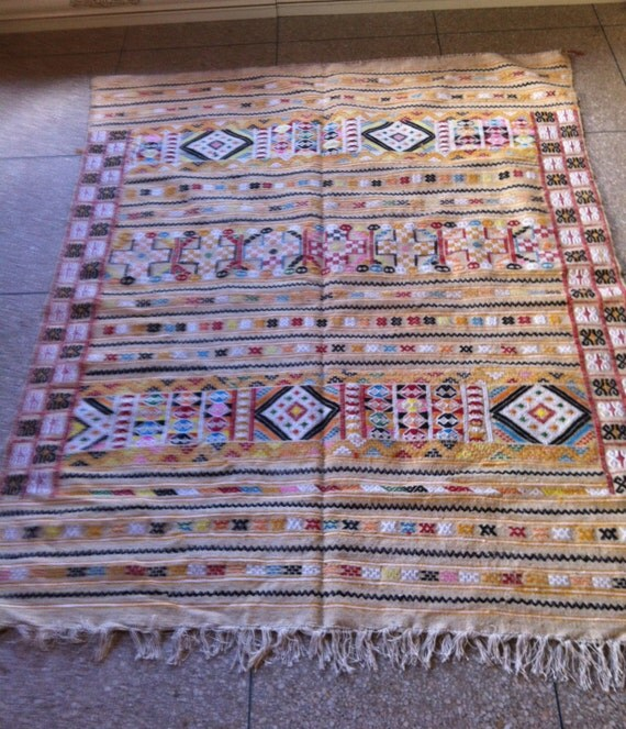 Moroccan Handwoven Beautiful & Unique Berber Kilim Rug An