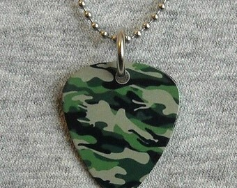 Metal Guitar Pick Necklace CAMOUFLAGE camo hunting military soldier usa deer hunter war pendant charm 2-sided