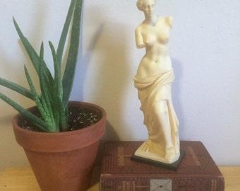 Venus de Milo Replica Sculpture on Marble Base, Made in Italy, A. Gionnelli, Greek Goddess Aphrodite Sculpture, Vintage Grecian Sculpture