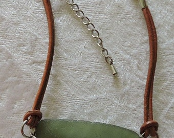 Sea glass and leather bracelet, Sea Glass Jewelry, Genuine Sea Glass Bracelet Jewellery, Green Sea Glass, Beach Glass Jewellery, B007