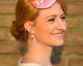 "Fascinator ""Color of Spring"" / koralle-apricot /."