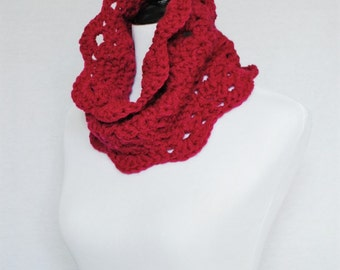 Pink Lacy Crochet Cowl, Wine Neck Warmer, Scalloped Magenta Infinity Scarf, Collar