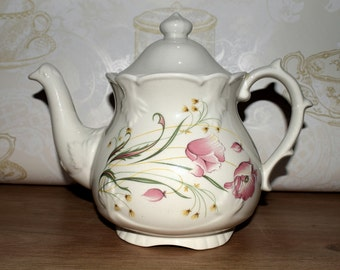 Price Kensington Potteries June Teapot 5 Cup Capacity