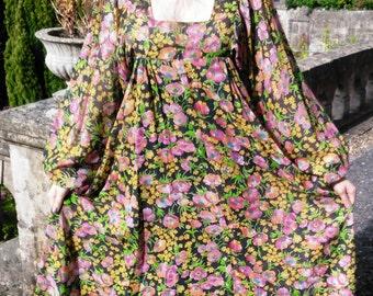 """Vintage 70s Pre Raphaelite Floral Maxi Dress Hippie Festival Empire Line UK 6 8 US 2 4 EU 34 36 Bust to 34"""" 87cm"""