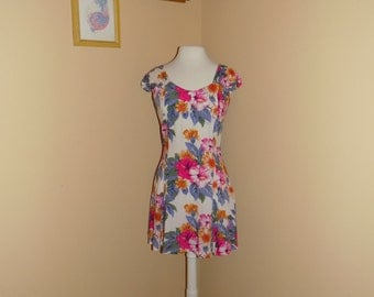 Perfect 90s Floral Skater Dress!