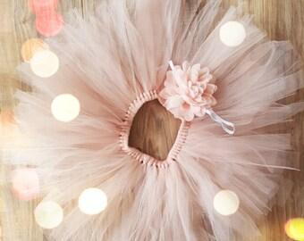 Peach newborn Set Newborn headband & tutu  Newborn Outfit, Girls Photo prop