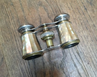 Vintage Mother Of Pearl Opera Glasses. Theatre Glasses In Good Condition.