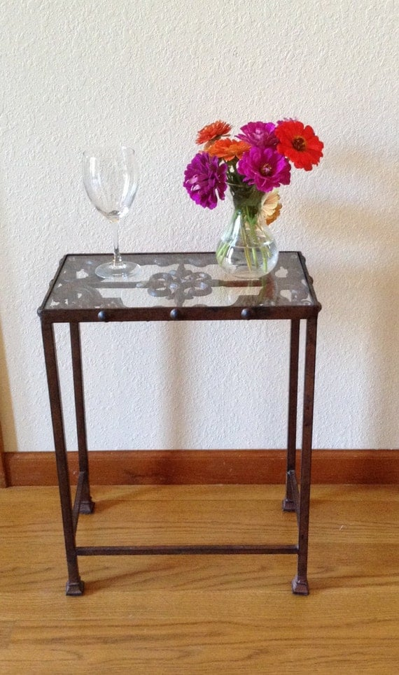 Vintage wrought iron table cast iron glass top table plant for Cast iron table with glass top