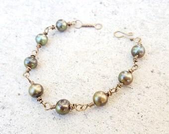 Beaded Green Pearl Bracelet, Olive Chain Link Bracelet,Freshwater Pearl Bracelet,Wire Wrapped Bracelet,Wire Link Bracelet,Beaded wire chain
