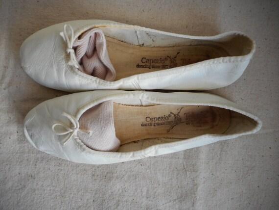Vintage 80s Capezio White Leather Ballet Dance Slippers Flats