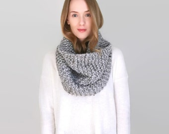 Super Chunky Knit Cowl - The Upstater