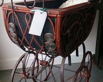 Antique doll's carriage dating to the late 1800s Victorian Era Doll's Pram Stroller