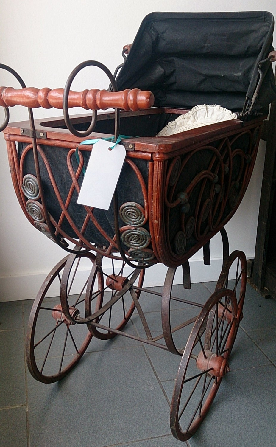 Antique Doll S Carriage Dating To The Late 1800s Victorian
