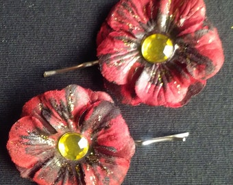 Red & Black Flower Hair Pins