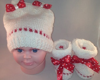 Hat and booties ,gift for new mother babies shoes, gift for new baby sister, gift for babies, gift for new baby, accessories baby booties