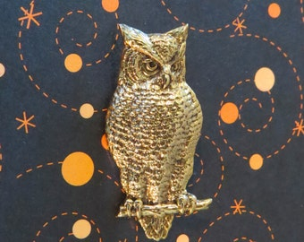 Owl Pin 24 Karat Gold Plate or Oxidized Matte Silver Wise Old Hoot Owl Barn Halloween All Hallows Eve PG295 / PS241