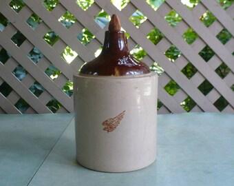 Redwing stoneware shoulder jug, vinegar jug, brown dome top