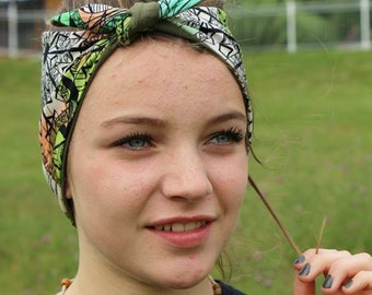 KNOTTED Headband /Reversible / Free shipping in Canada/ batik pattern and kaki