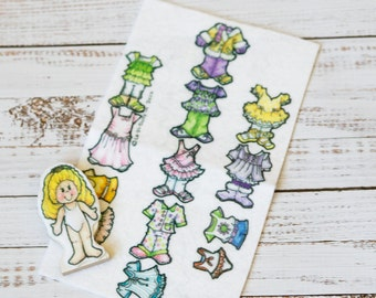 "paper dolls, felt clothes, 3"" mini doll blonde hair, 10 felt outfits, dress up dolls, quiet play, party favor, paper dolls dresses"