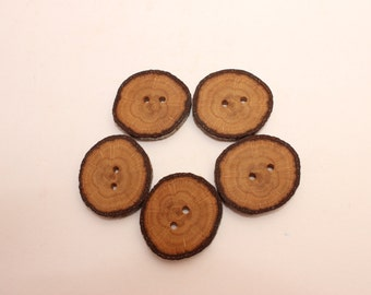 """Set of 5 oak wooden buttons 