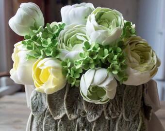Ranunculus wedding bouquet, wedding bag