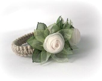 Flower napkin ring for wedding table decoration Ivory Green Handmade dinner napkin holders floral napkin wraps Gift for her