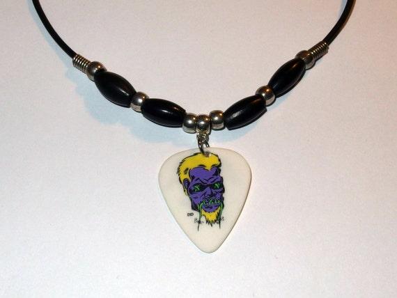 metallica hetfield guitar necklace