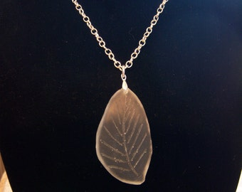 Leaf Pendant - Frosted